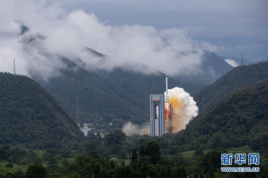 """我国提前半年完成北斗全球系统星座部署 北斗三号最后一颗组网卫星""""重启""""发射成功"""