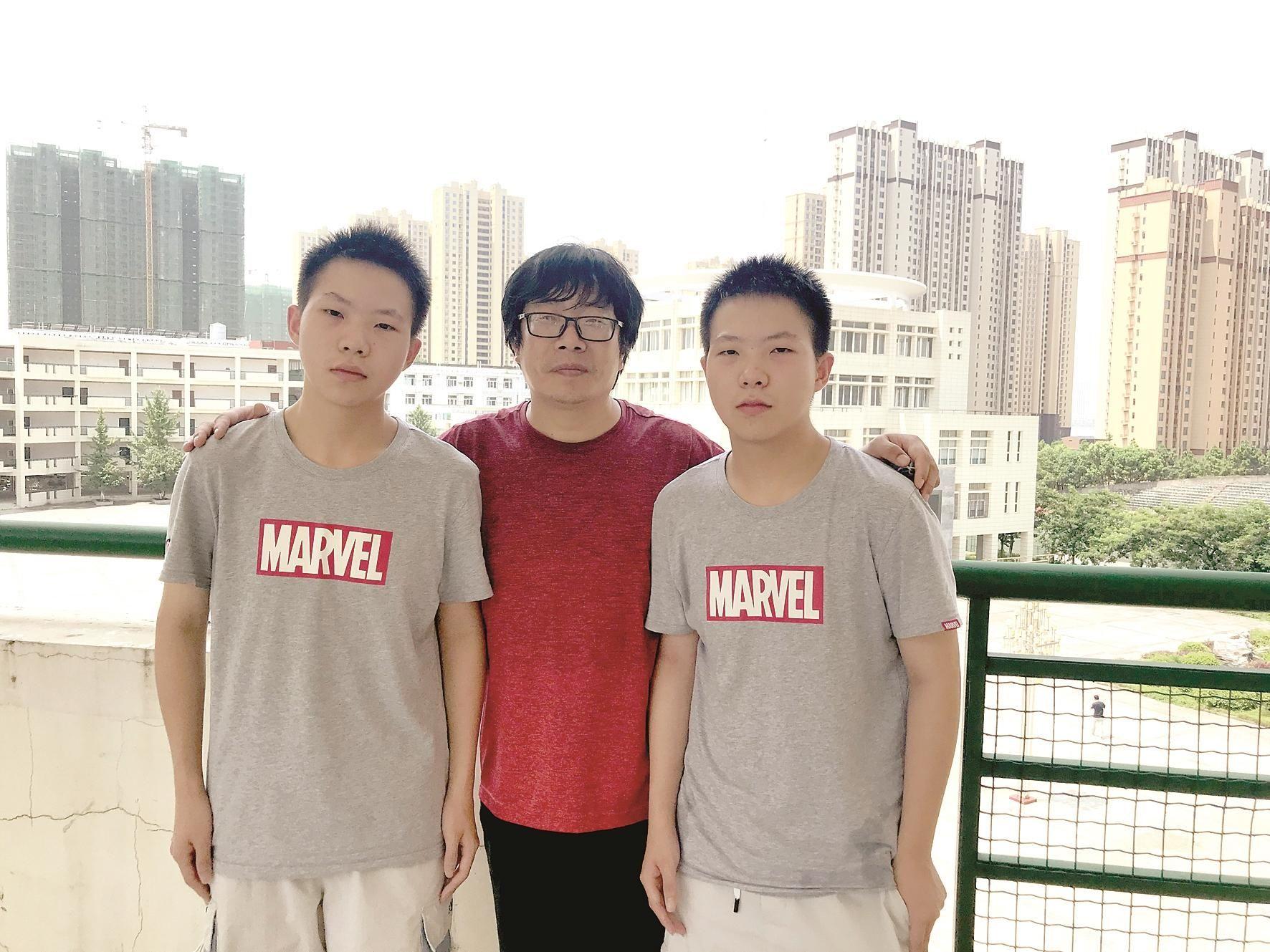 武汉双胞胎兄弟高考同获664分什么情况?终于真相了,原来是这样!