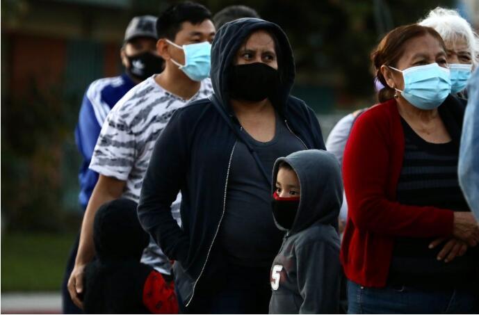 美国加州实施宵禁 遏制新冠疫情蔓延