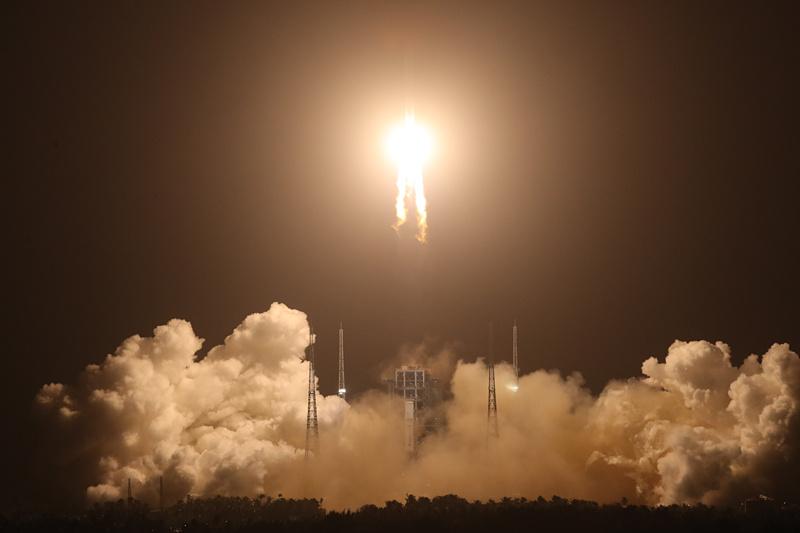 焦点访谈:嫦娥五号此次探月任务...