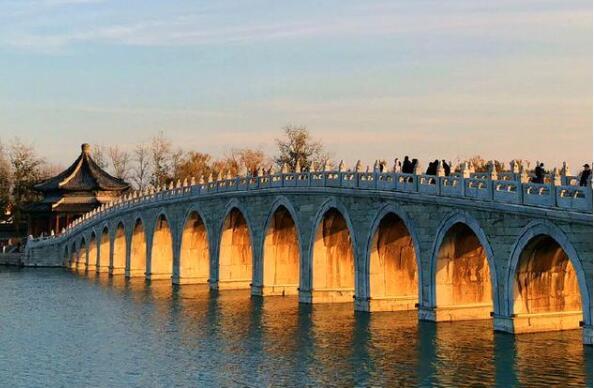 惊艳了!颐和园十七孔桥再现金光穿洞 每年出现寥寥数日