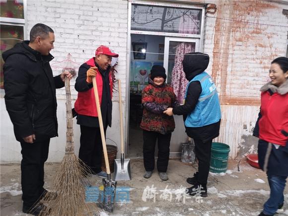 鲍山街道:曲家村新时代文明站开展冬季取暖安全隐患入户排查工作