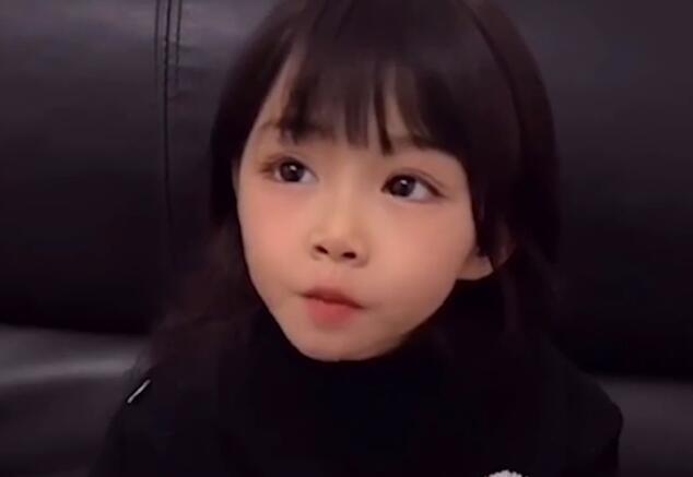 """4岁""""天使面孔""""女孩患罕见基因病 最终可能会变成植物人"""