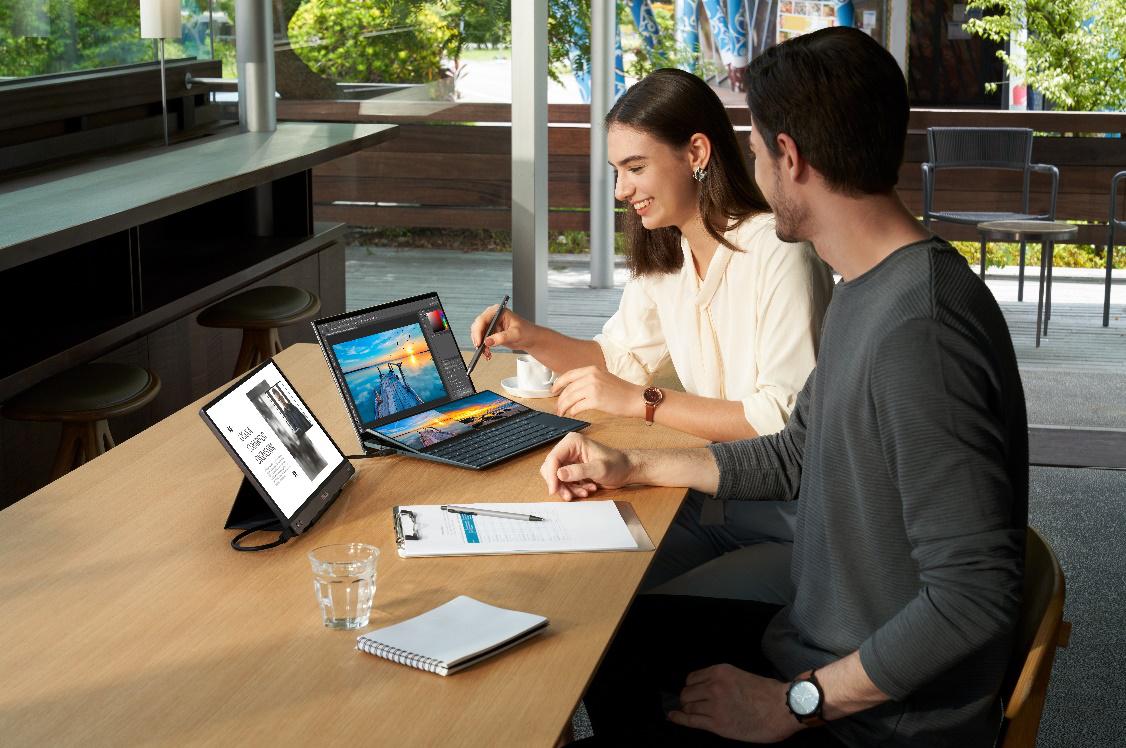 华硕灵耀X双屏重磅发布 全新引领双屏PC新时代
