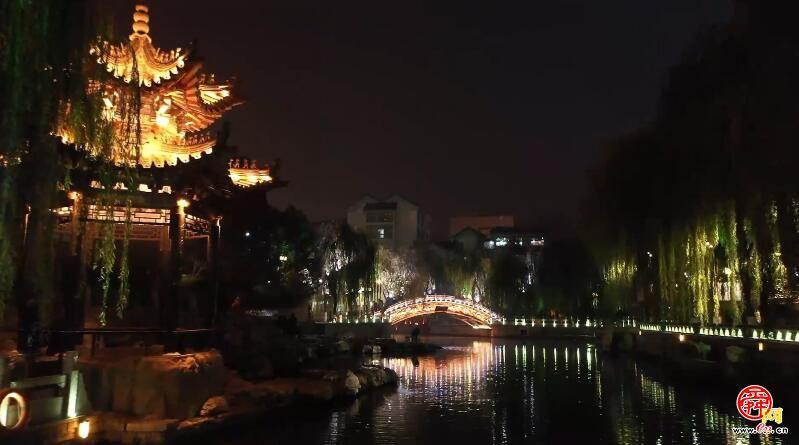 济南护城河绚丽夜景宛如仙境
