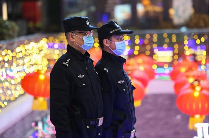 【网络中国节】节日坚守保平安