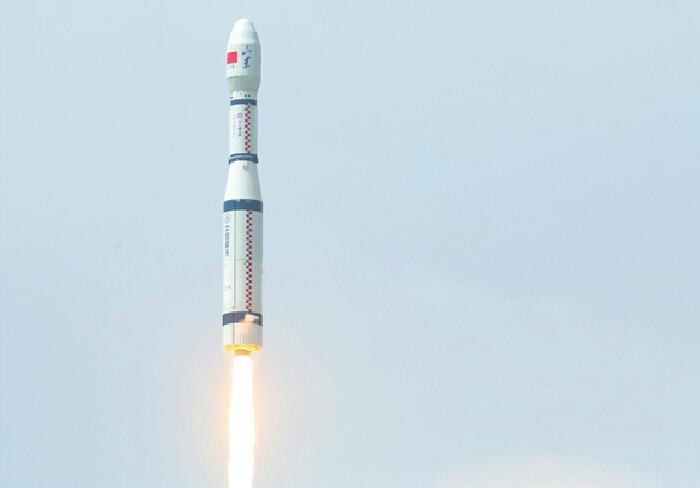 """一箭9星!中国首次""""拼车""""成功发射9颗商业卫星 太空有了""""齐鲁号""""!"""