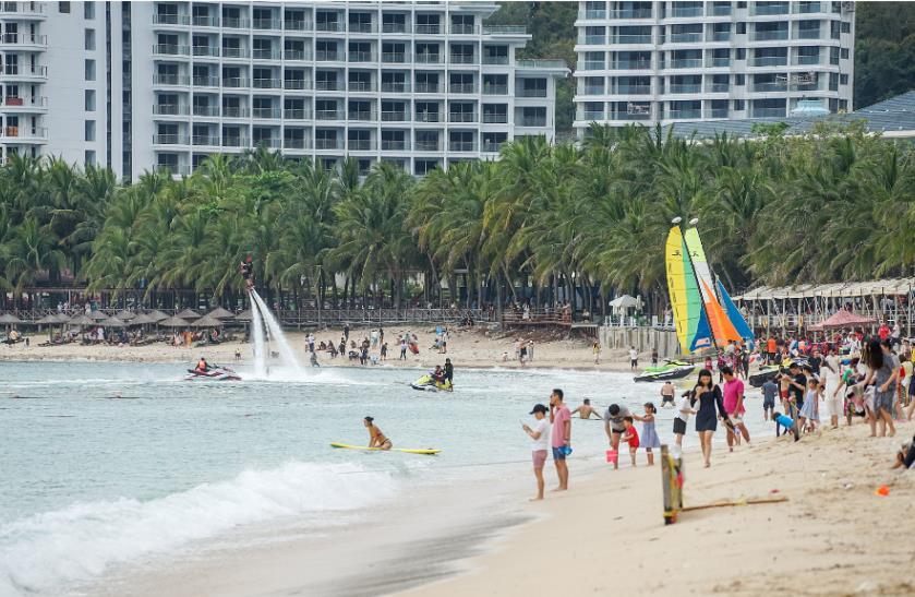 旅游市场复苏势头强劲