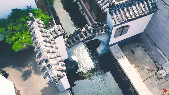 宛如江南水鄉 俯瞰起鳳橋街小橋流水人家