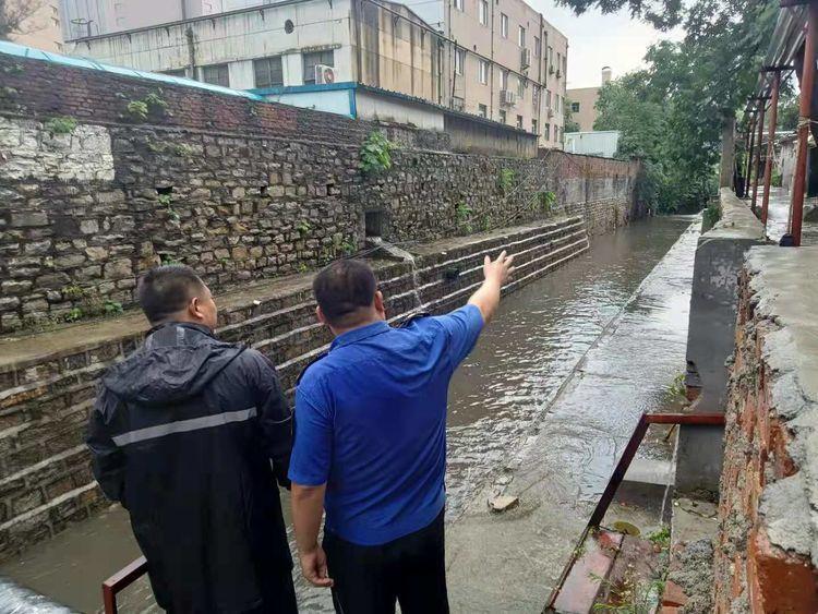风雨无阻 全力以赴!解放路街道做好防汛应急工作