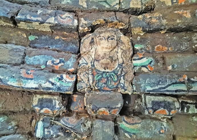 济南发现山东规模最大元代砖雕壁画墓群