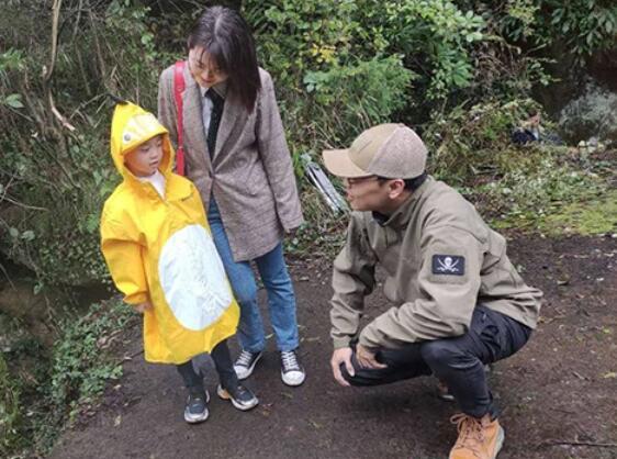 【罕见】四川5岁小男孩发现恐龙足迹 四川盆地北部边缘首次发现恐龙足迹